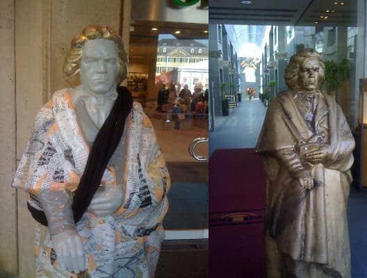 Statuen vor SinnLeffers und Juwelier Raths