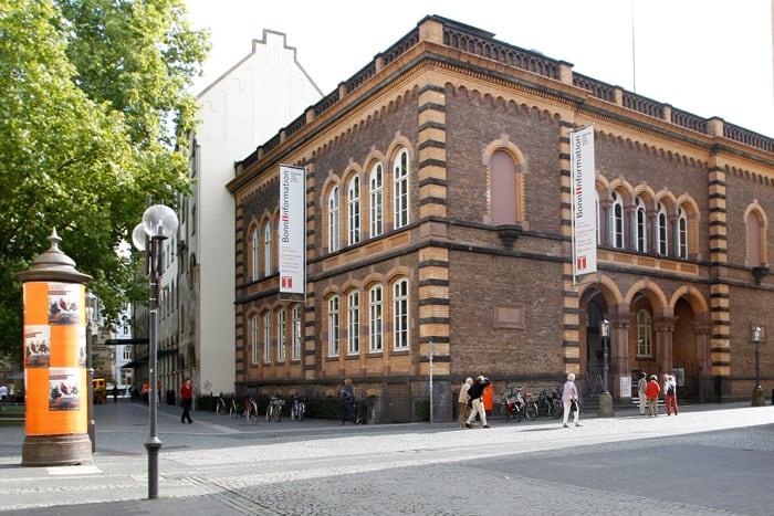 Außenansicht der BonnInfo in der Windeckstraße